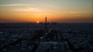 En manque de plaisirs parisiens de toutes sortes ? Heureusement, vous aurez une heure supplémentaire ce weekend pour étancher votre soif de fantasmes....